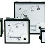 Amperímetro de painel analógico